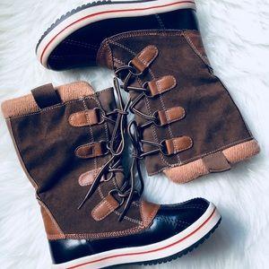 Lace Up Rain / Snow / Duck Boots, Size 6